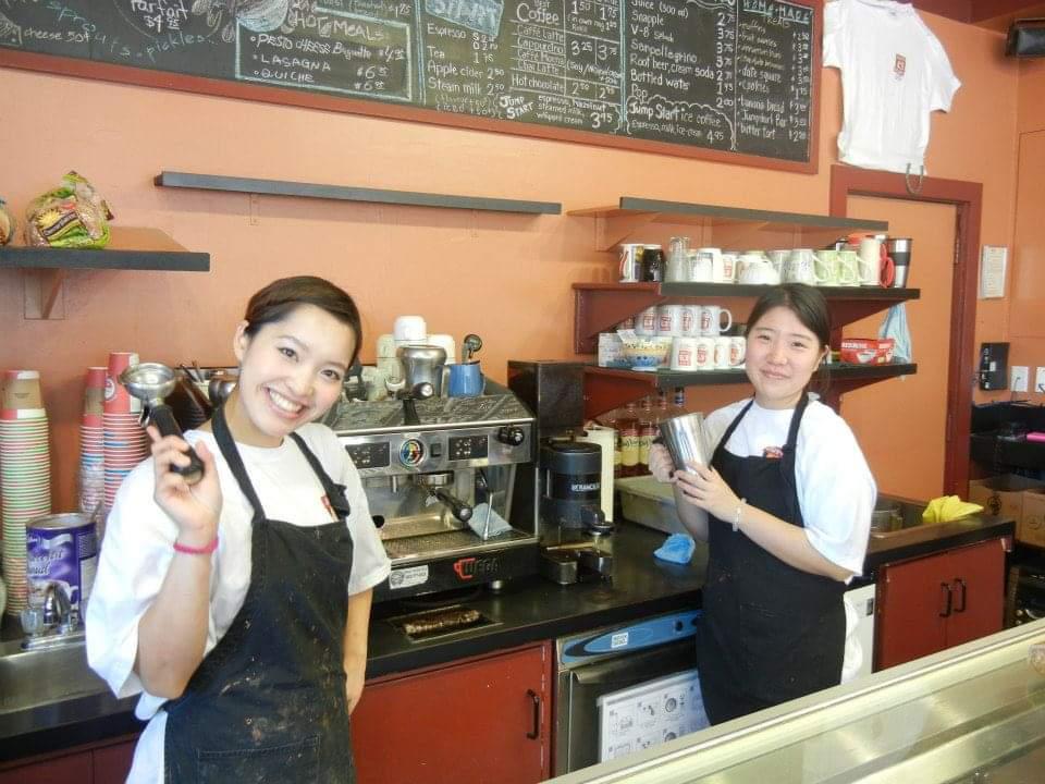 カナディアンロッキーの町のカフェでバイト